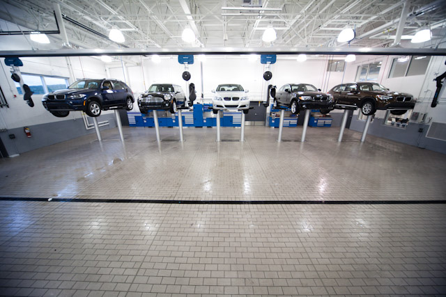 Service Garage at BMW St. John's